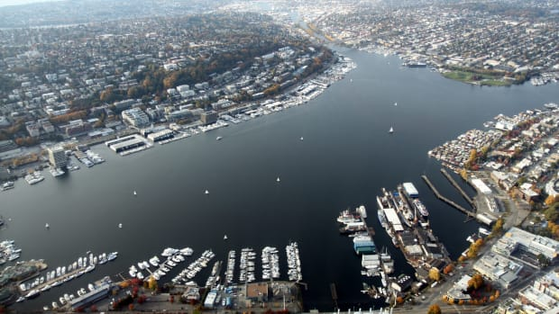 Aerial_Lake_Union_November_2011