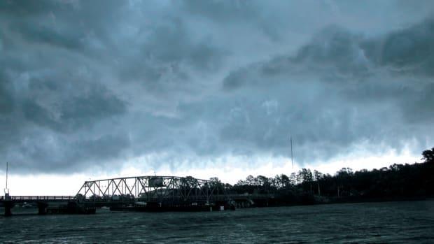 Storm 016-p17udsb6i5oe01g4o1fgr12bs1j1b