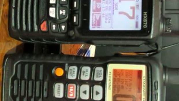 Standard_Horizon_HX870_vs_HS851_cPanbo-thumb-365xauto-10200