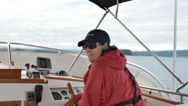 Commodore takes the helm.