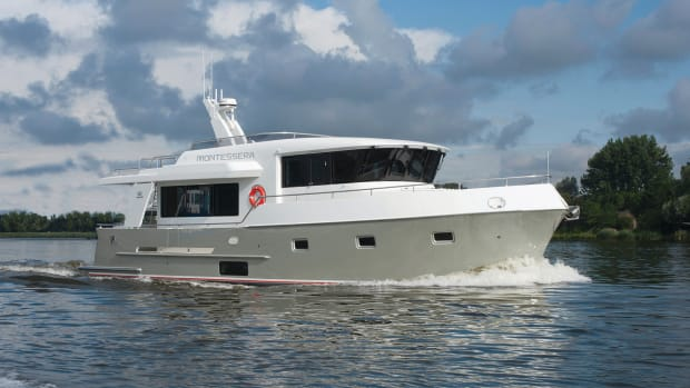 Altena 500 Raised Pilothouse  (3)