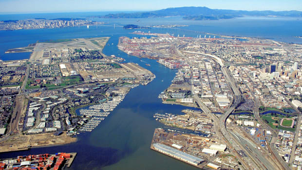 Oakland Estuary_California_aerial_view