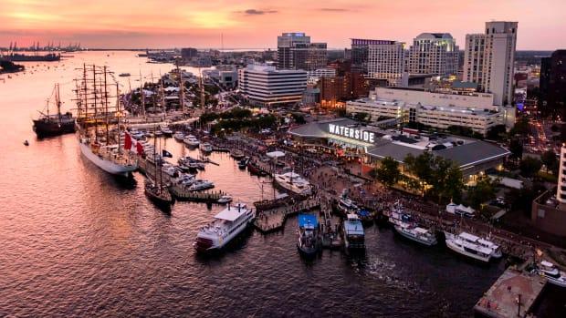 web_waters-edge-Harborfest photo of Downtown Norfolk skyline. Credit VisitNorfolk copy