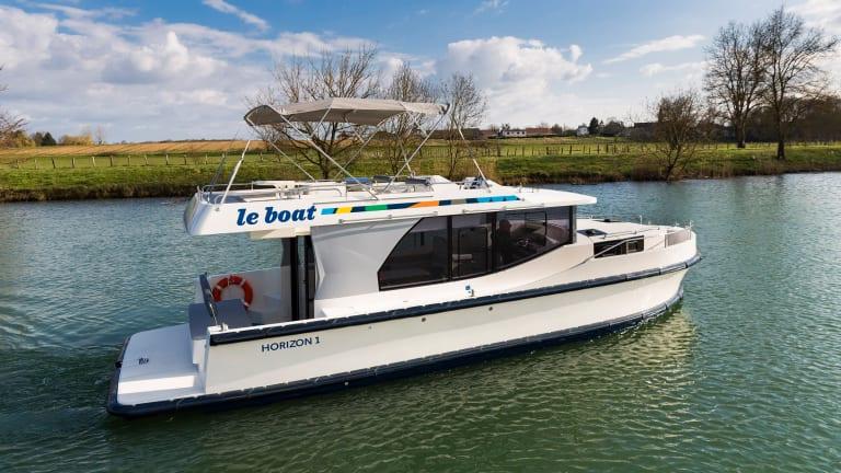Le Boat Splashes for 2017