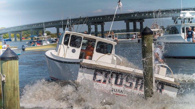 Extreme Boat Docking: Chesapeake Style (VIDEO)