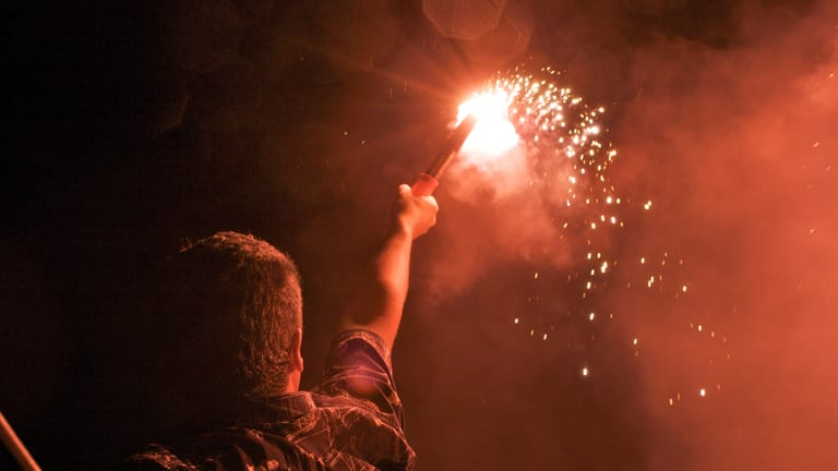 Pyrotechnic Versus Electronic Flares (Videos)