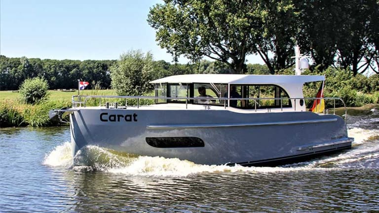 Vedette Navigator 35 Proves Practical and Proportional