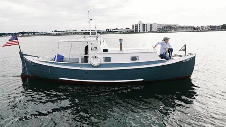 1940s Navy Whaleboat Conversion Still Cruising New England Waters (Video)