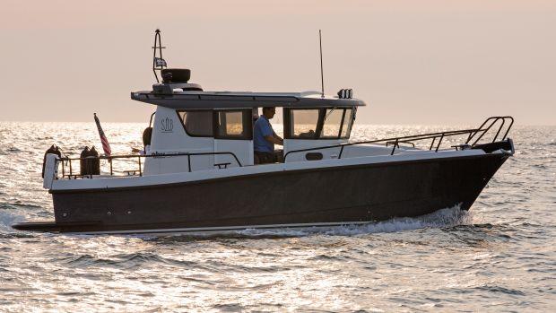 Minor Offshore 28 Explorer Block Island RI.