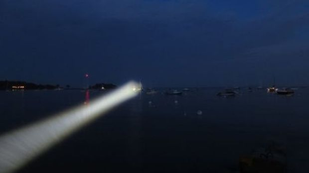 Marinebeam_Ultra_spot_flashlight_testing_cPanbo-thumb-465xauto-9693