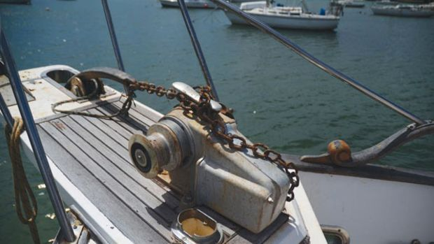 This old windlass has fought its battles and is ready for retirement.