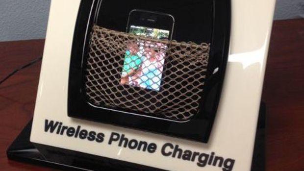 2Teak_Isle_wireless_Qi_phone_charging_demo-thumb-465xauto-11224
