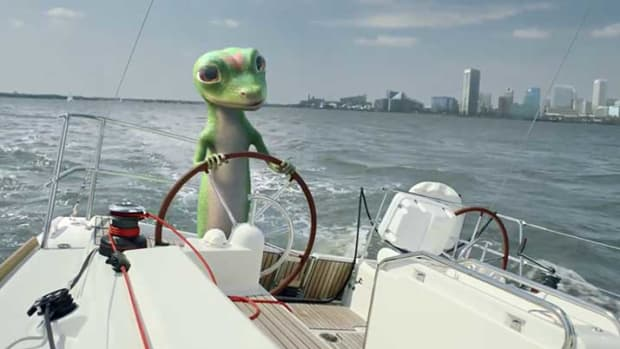 geico-gecko-remote-controlled-boat