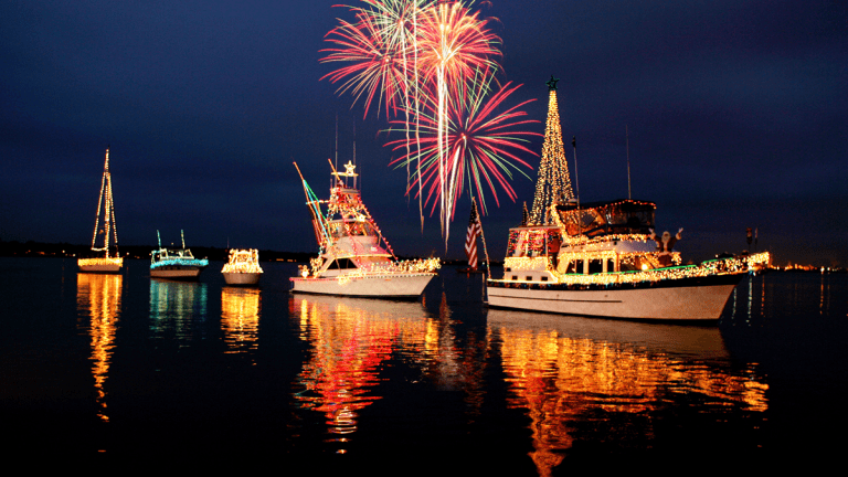 Californians Love Their Christmas Boat Parades (Videos)