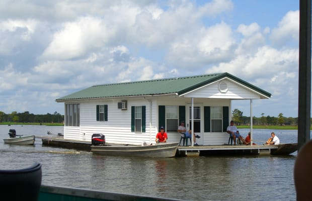 House Tax Bill Would End Boat Deduction for 'Second Home'