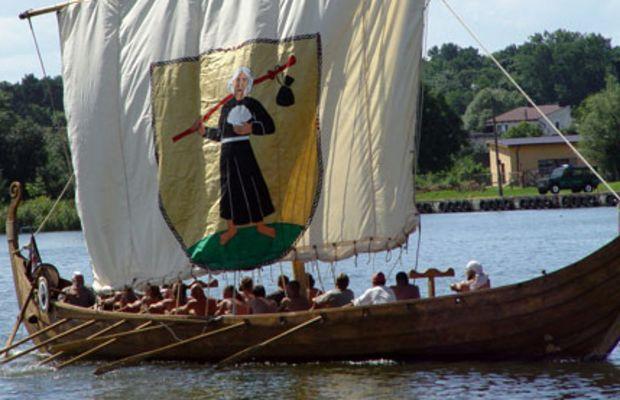 Viking Age Meets New Age: Crystals as Navigation Tools