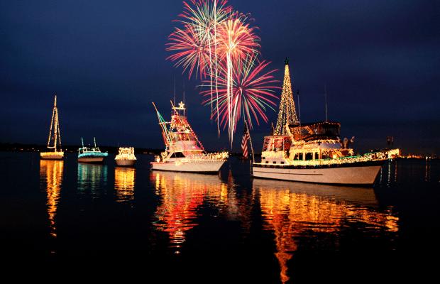 Californians Love Their Christmas Boat Parades (Videos)