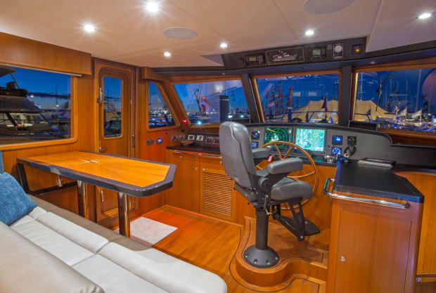 On The Water: Outer Reef 580 - PassageMaker