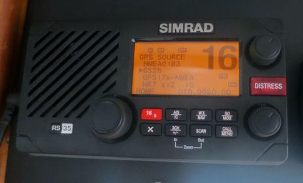 Simrad_RS35_testing_GPS_source_cPanb_o-thumb-465xauto-9754