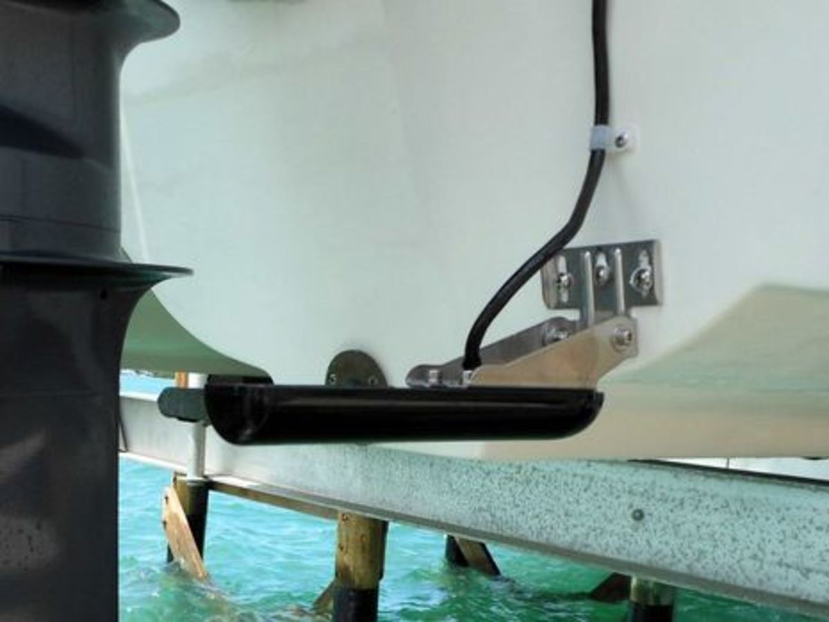 GCV-10_downvu-sidevu_transducer_install_cPanbo-thumb-465xauto-9346