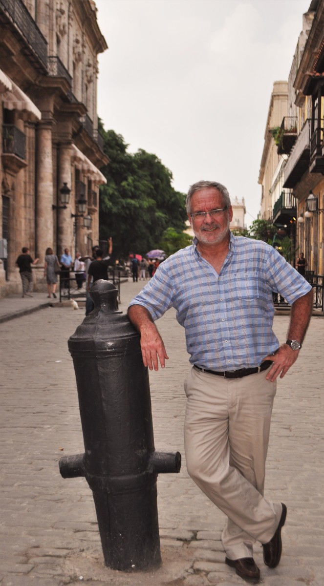 Peter Swanson on the streets of Habana Vieja.