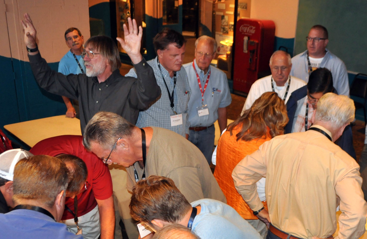 Nigel Calder conducts a workshop in electrical troubleshooting during the Diesel Engine seminar at TrawlerFest-Baltimore.