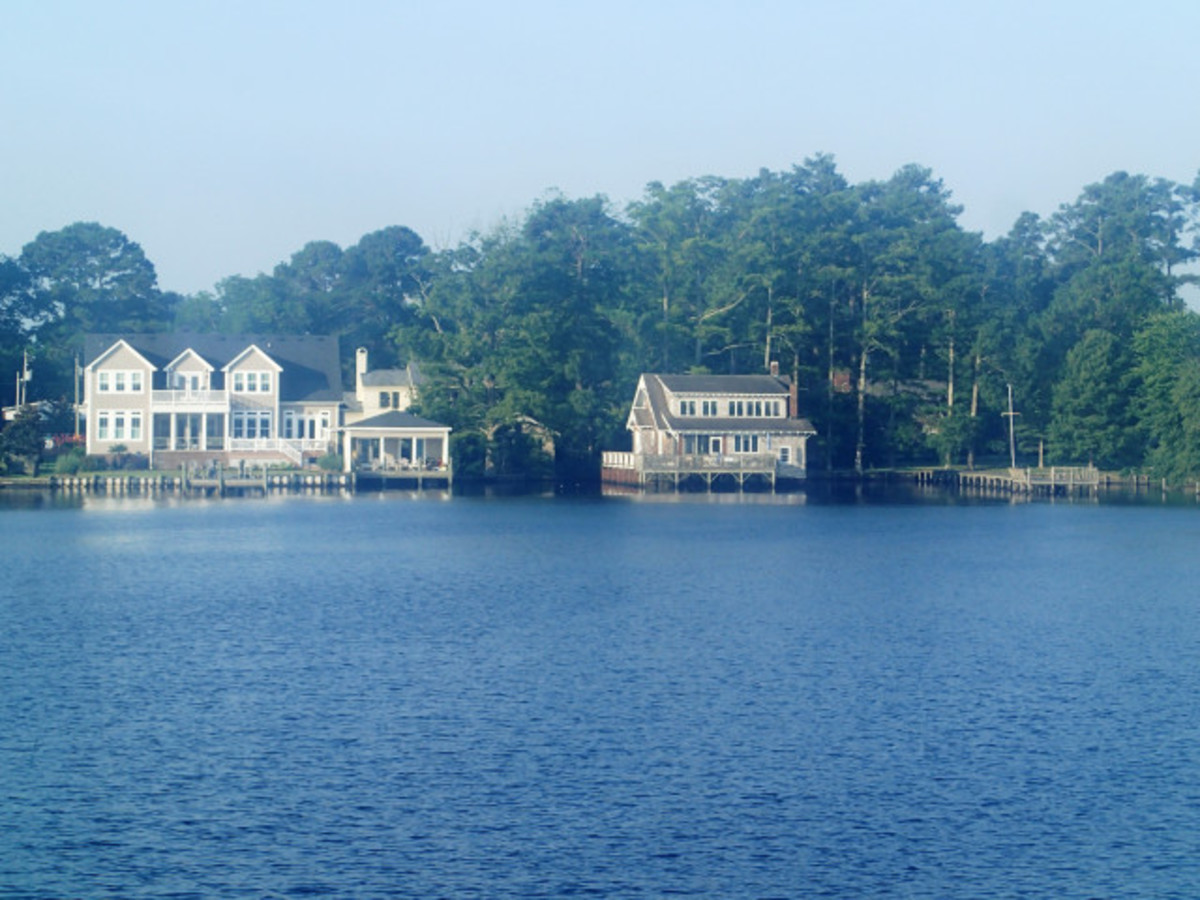 Some Lovely homes along the ICW.