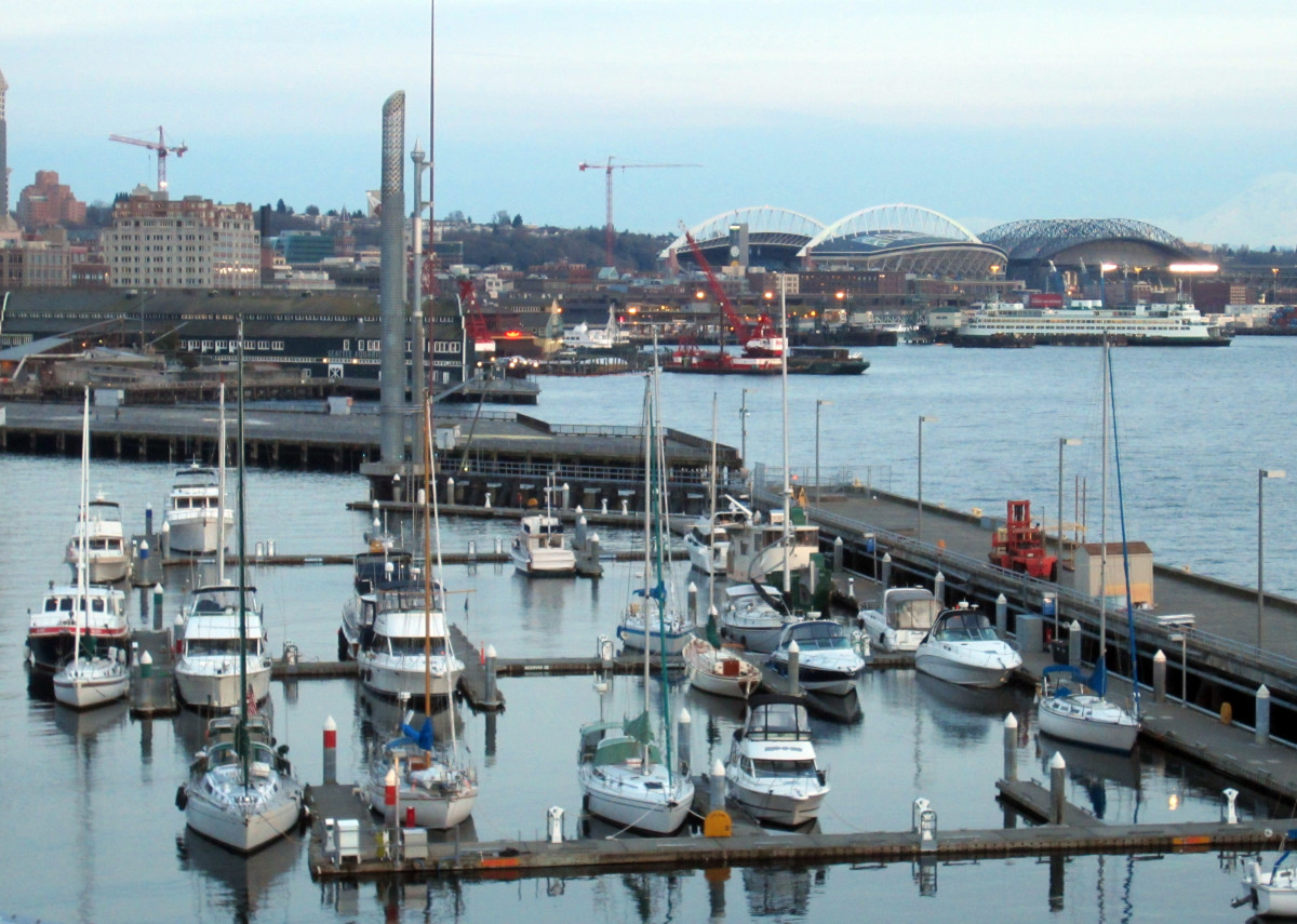 Bell_Harbor_Marina,_Seattle,_Washington