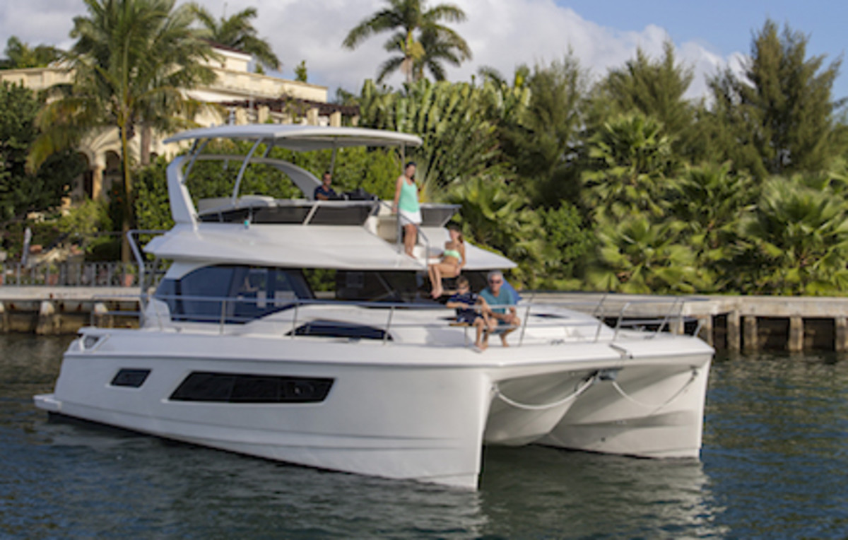 Marine Max Charter 443 running and lifestyle in Miami, FL.