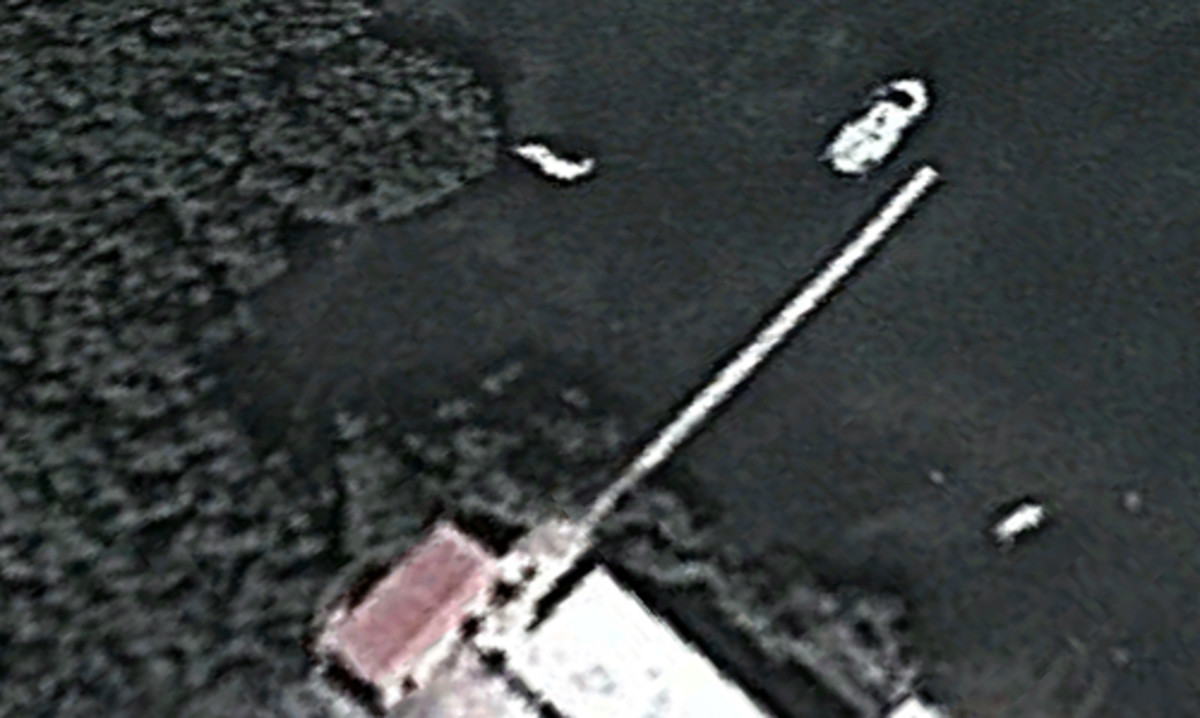 This satellite image shows a boat that might be Satori moored next to a pier at the Cuban coast guard base at Arroyos de Mantua. Recently an imagery analyst says that is is not.