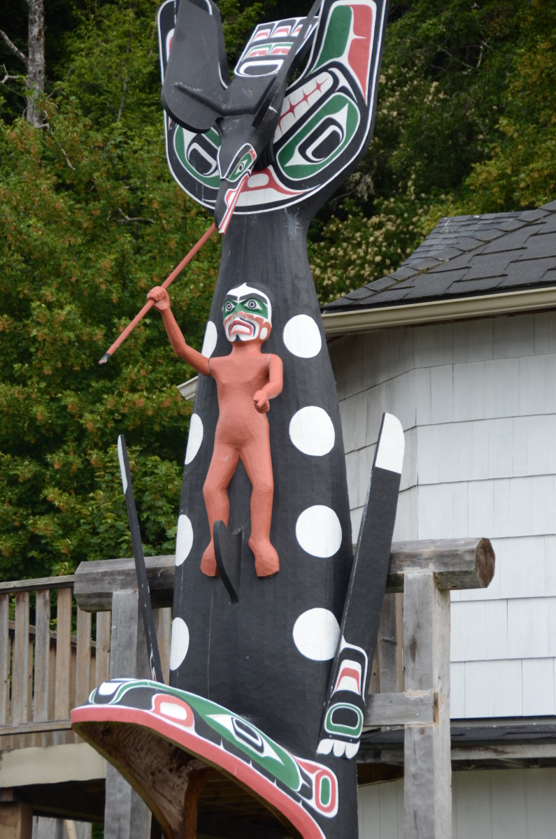 Totem in yard of Alert Bay Home.
