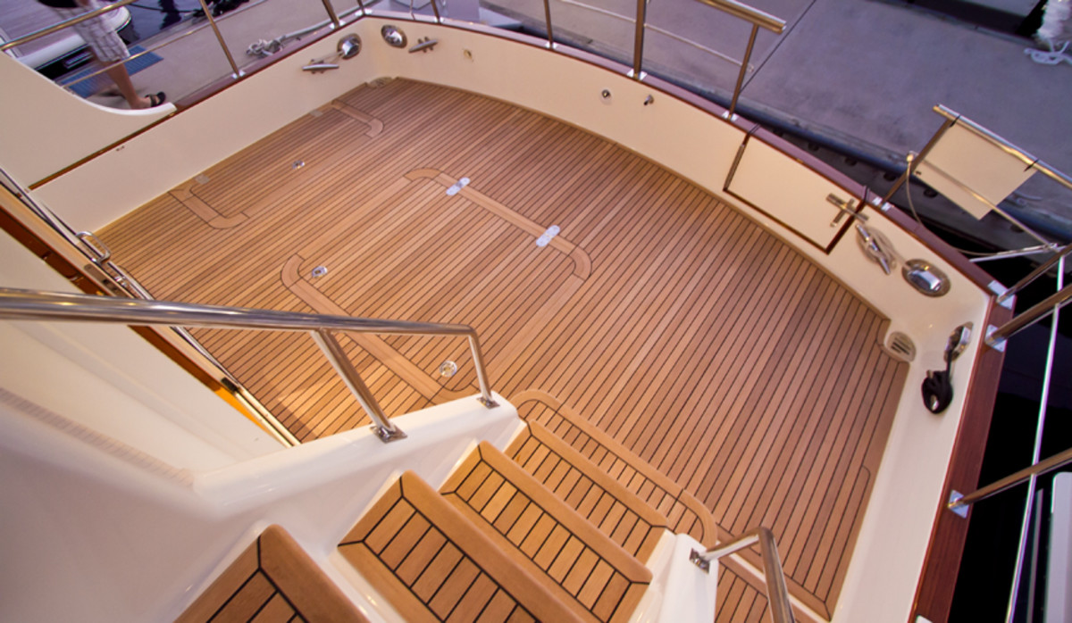 Access to the flybridge is easy for cruisers of all ages thanks to a real staircase. The cockpit is big, 2 feet longer than that of the GB 41, which the 43 supercedes.