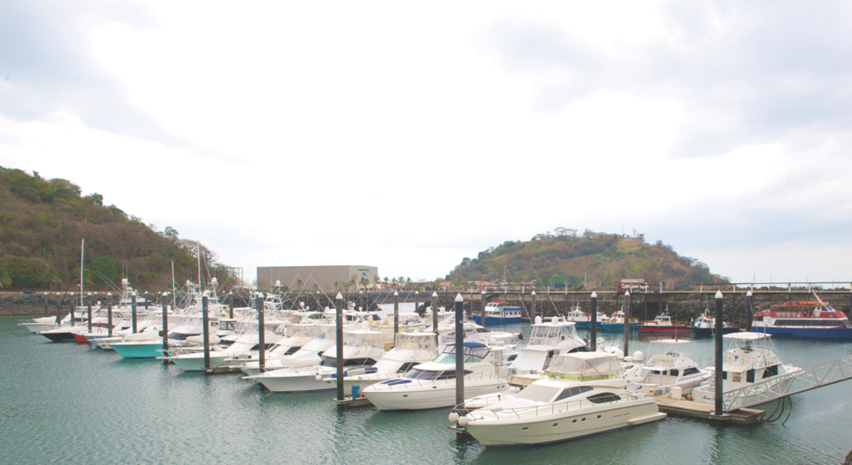 co's floating docks are a godsend in the marina's massive, 14-foot tides.