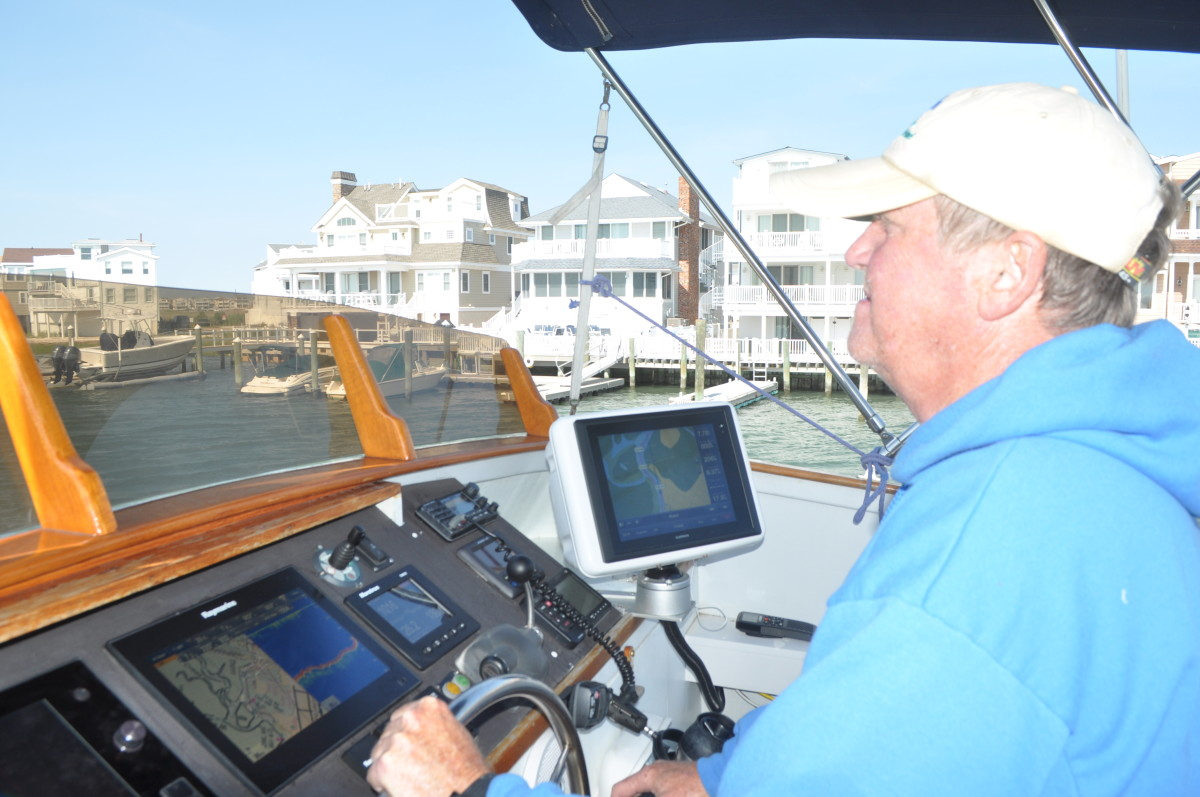 Ben Ellison Pilots Gizmo on the New Jersey ICW.