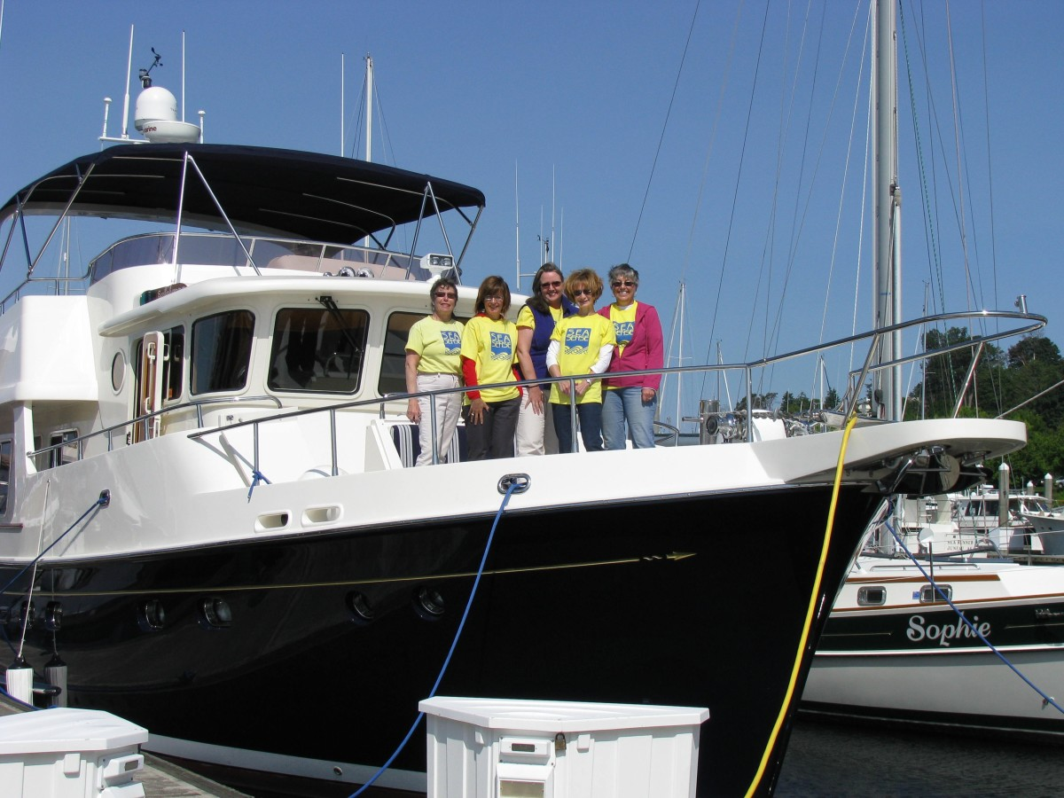Women-Only Boat Handling