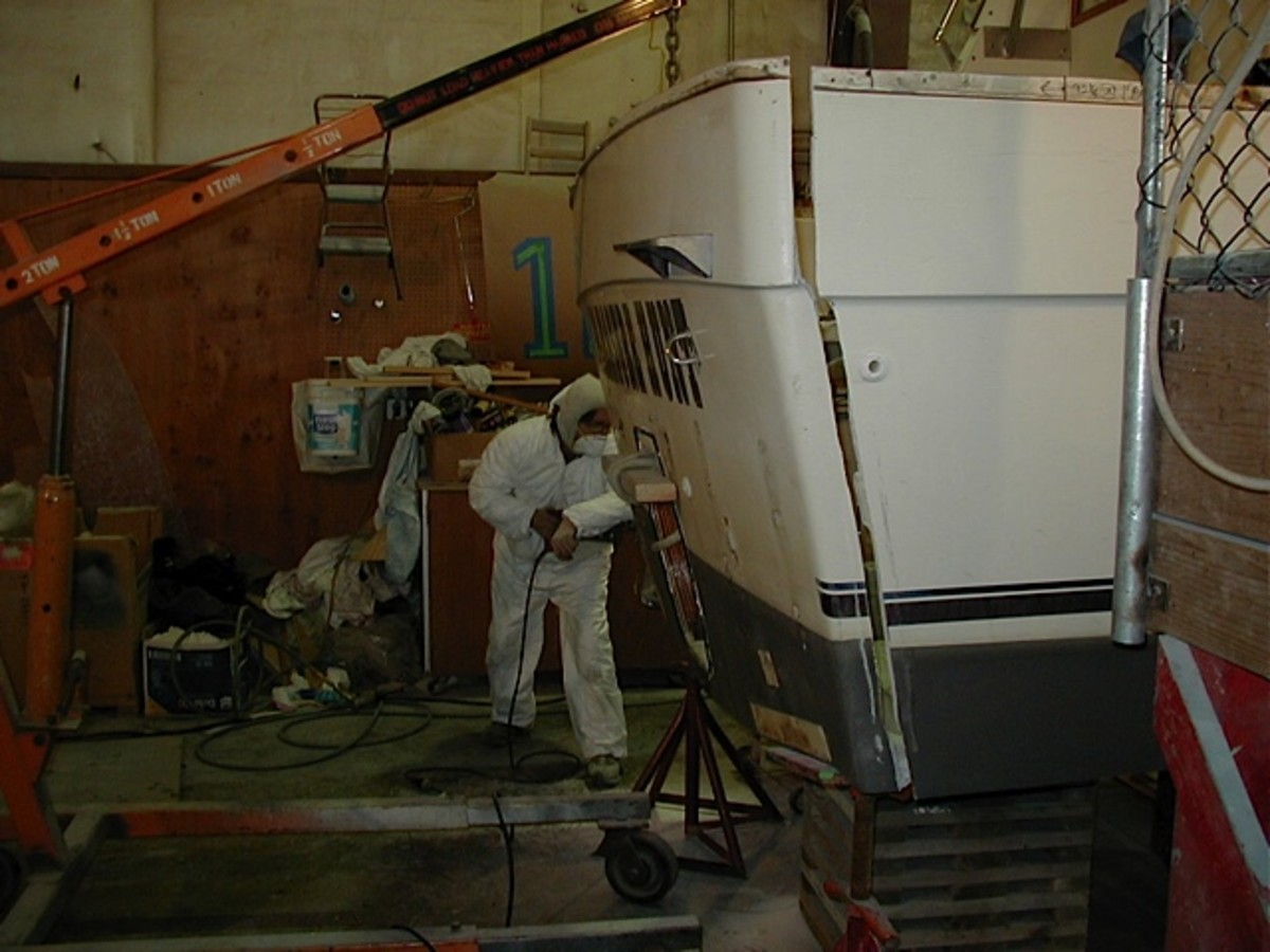 Removing the transom at North Harbor Diesel and Yacht Service in Anacortes.