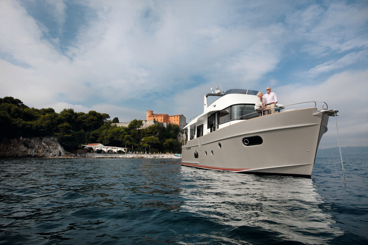 The ST50 is a semi-displacement trawler perfectly suited for long distance travels.