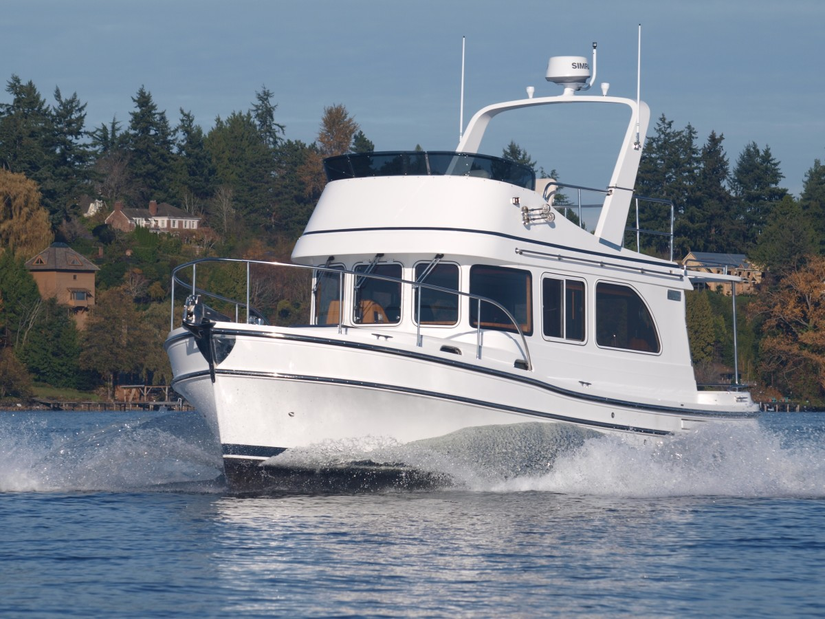 Sea Trial Helmsman Trawlers 31 Sedan Passagemaker
