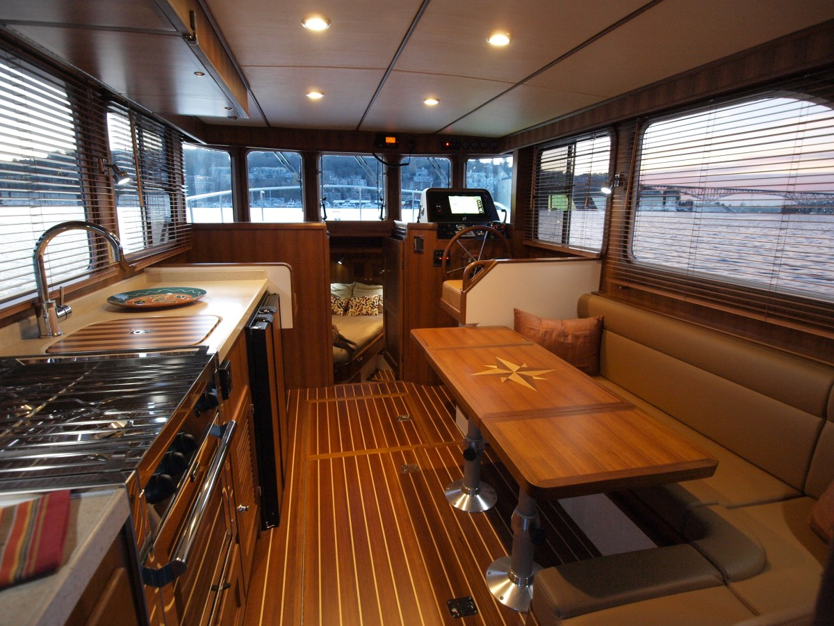 Sea Trial: Helmsman Trawlers 31 Sedan - PassageMaker