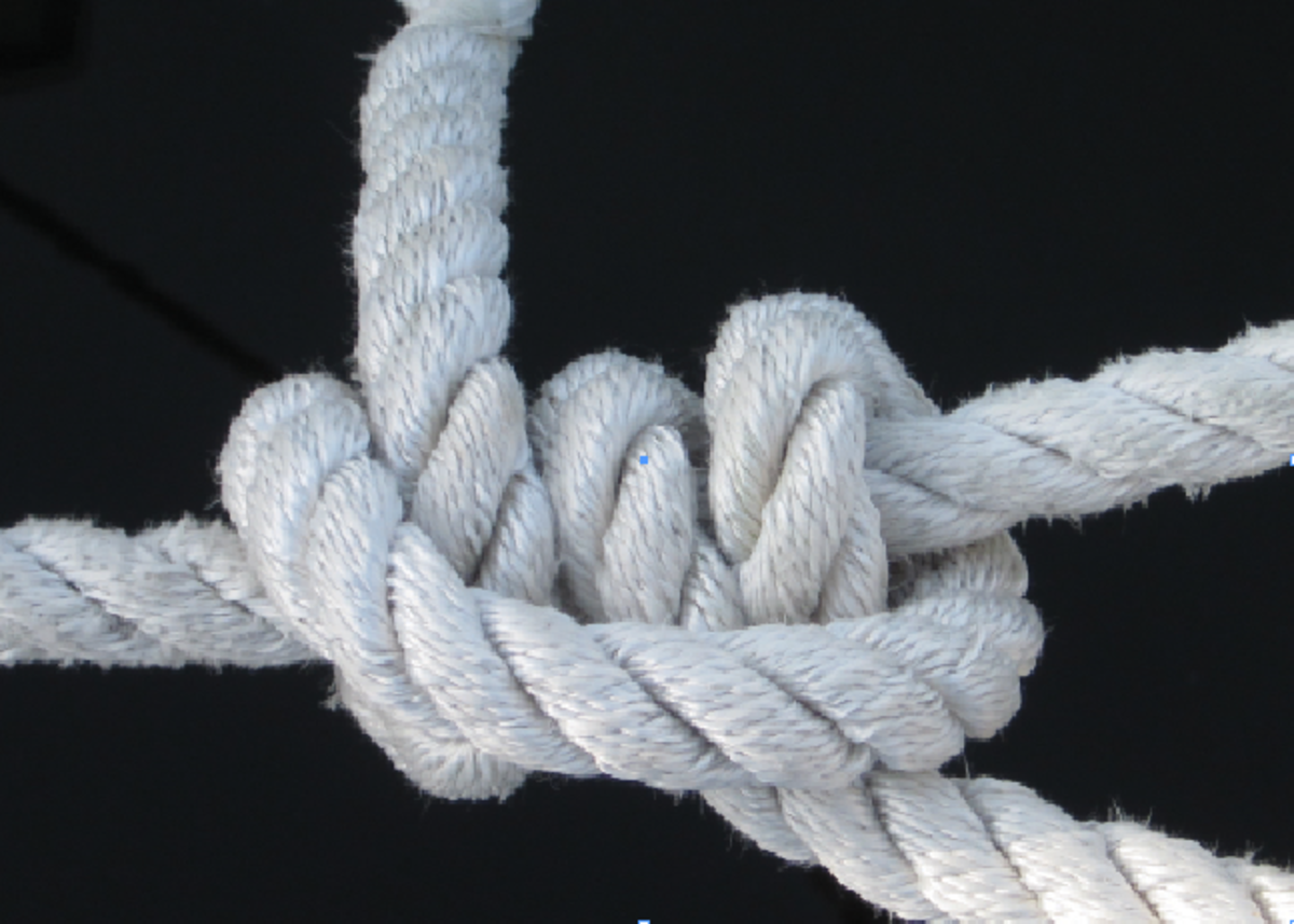 The rolling hitch is one of the most versatile of all knots, yet few boaters use it.