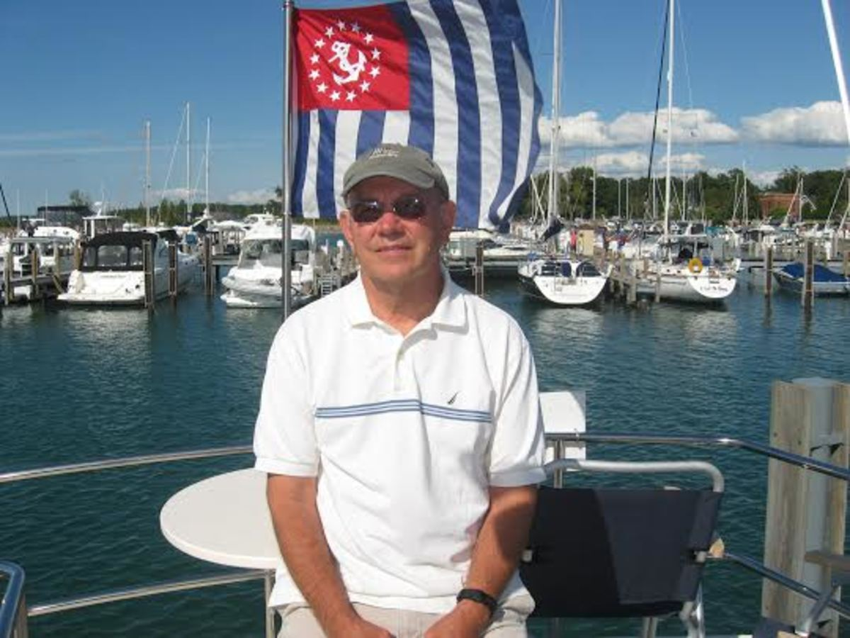 John Locke is a retired U.S. Navy commander, who was qualified in surface ships and submarines. He has more than 50 years on the water in both Navy ships and recreational vessels. He also has experience cruising on both inland and coastal waters in boats up to 50 feet. He is a Power Squadrons senior navigator.