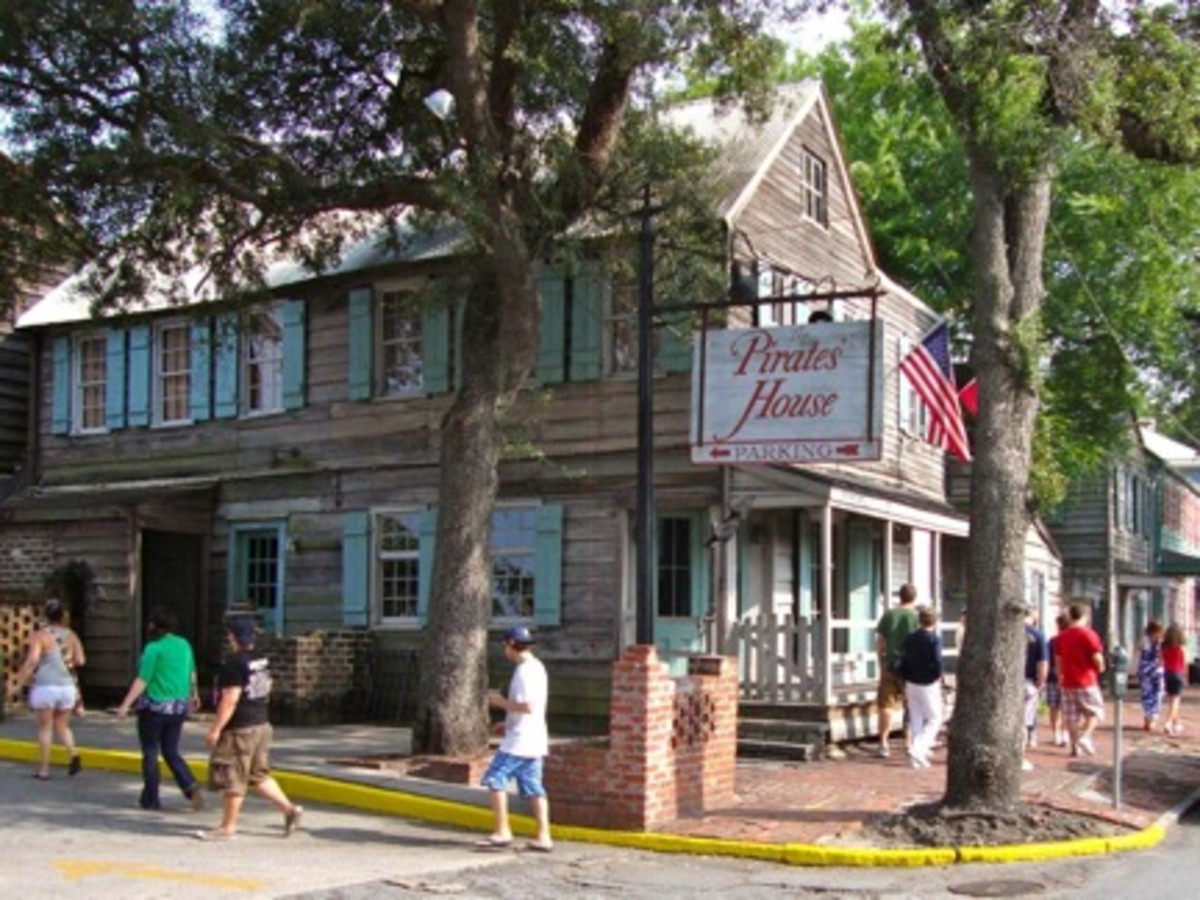 For lunch we visited Savannah's storied Pirate's house.