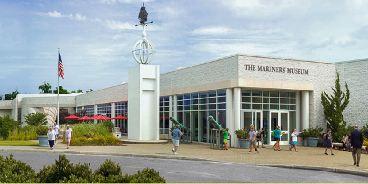 mariners-museum-front