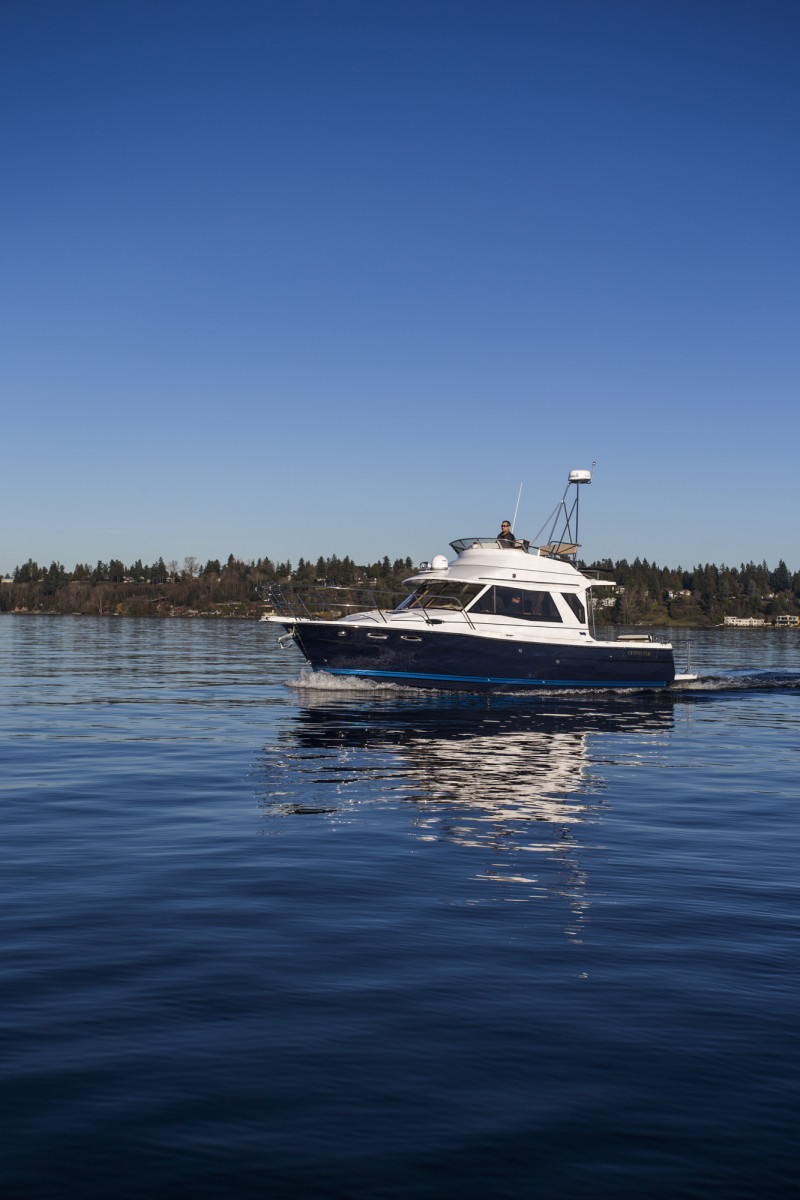 Sea Trial Of The Cutwater 30 Command Bridge By