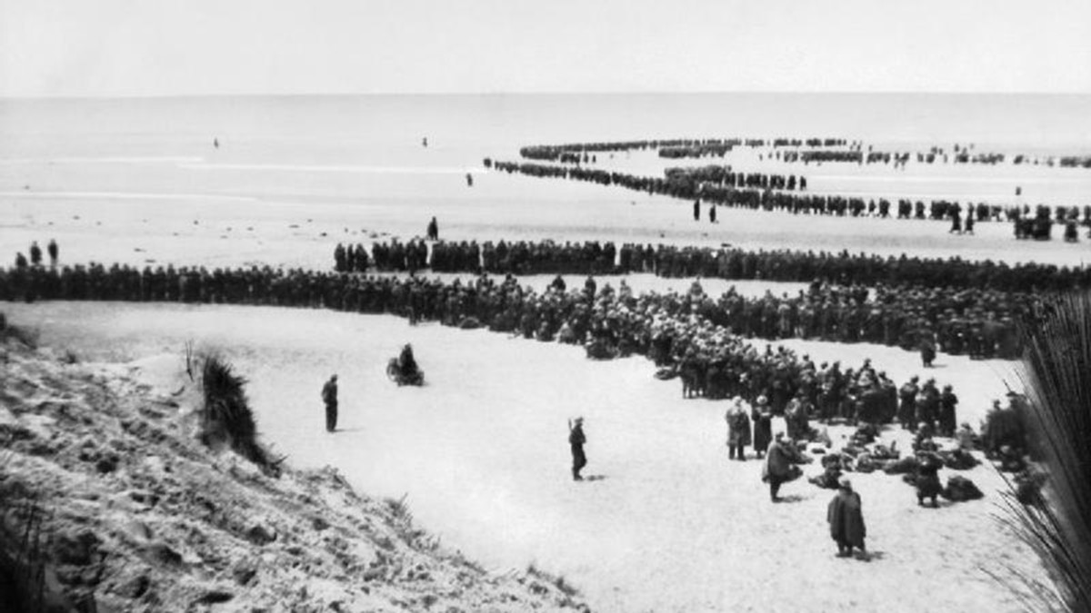 Allied troops awaiting evacuation on the beaches of Dunkirk.