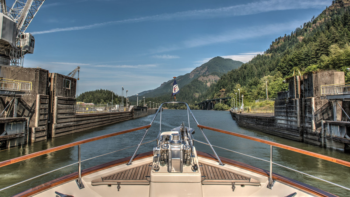 Exploring the Columbia River on board Tony Fleming's Venture