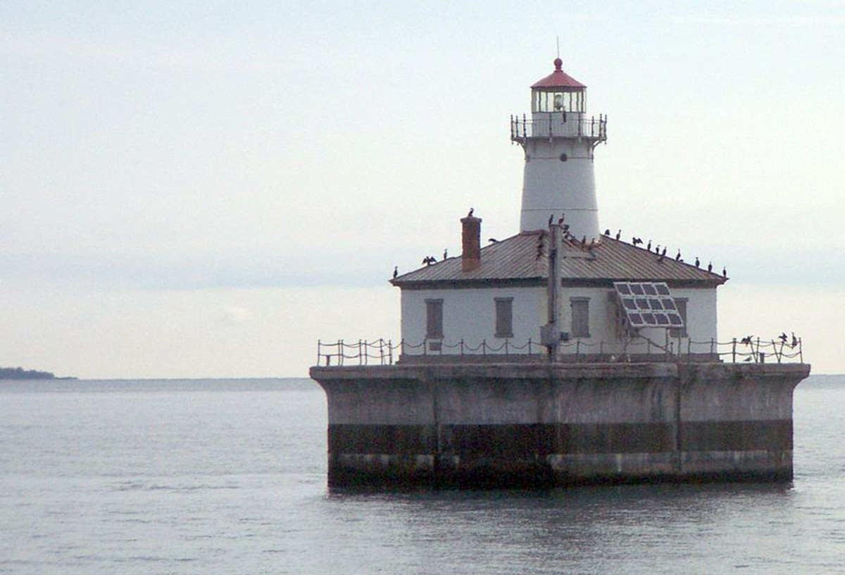 Inspection opportunity: Tuesday, August 29 at 9:30 a.m., local time. This will be the only opportunity to inspect this lighthouse. Only registered bidders will be allowed to inspect to the lighthouse. Please complete and submit the Bidder Registration & Bid Form on page 22 of the Invitation of Bids. Contact: Arthur Ullenberg, Phone: 312-353-6039  Fax: 312-886-0901 arthur.ullenberg@gsa.gov