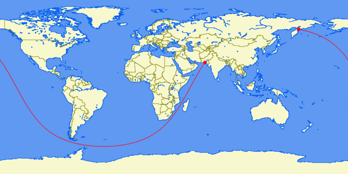 Above: Original projection of the longest straight, sailable path by Reddit user, KelperOnlyKnows. Below:KelperOnlyKnows video of the line across a globe in Google Earth.