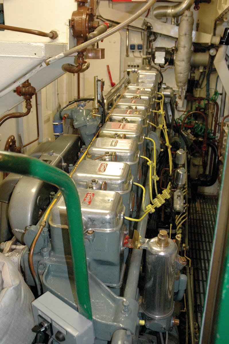 Inside the engineroom of 70-001