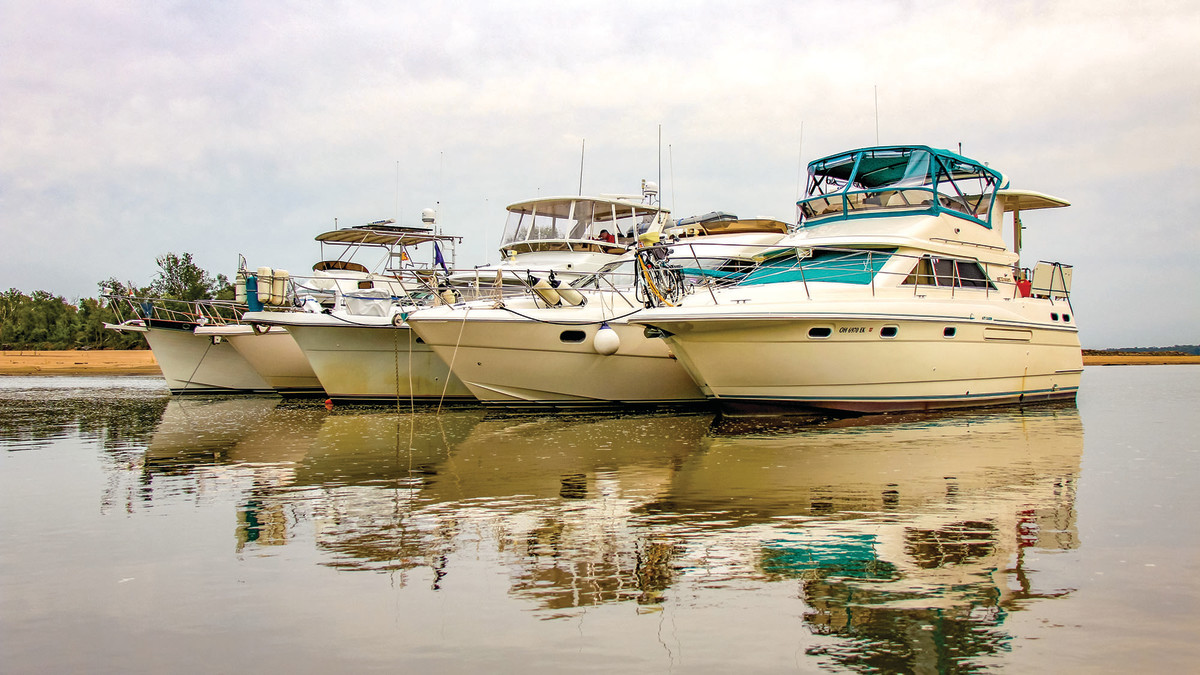 A common site of Loopers anchoring together on the Mississippi River: pictured here, from left-to-right, are Good Karma, One September, Jim's Joy, and Seaqual & Sareanna.